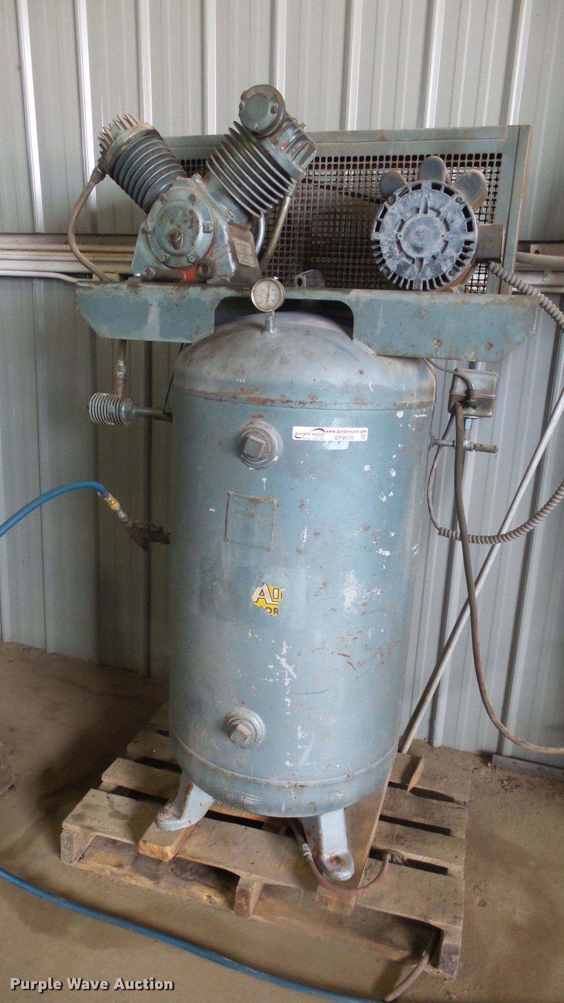 Compressor Engineering Co. air compressor | Item EF9030 | SO...