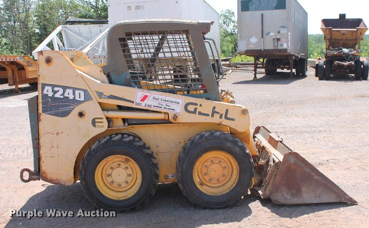 2006 Gehl 4240E Skid Steer Item DD5227 SOLD August 2 Co