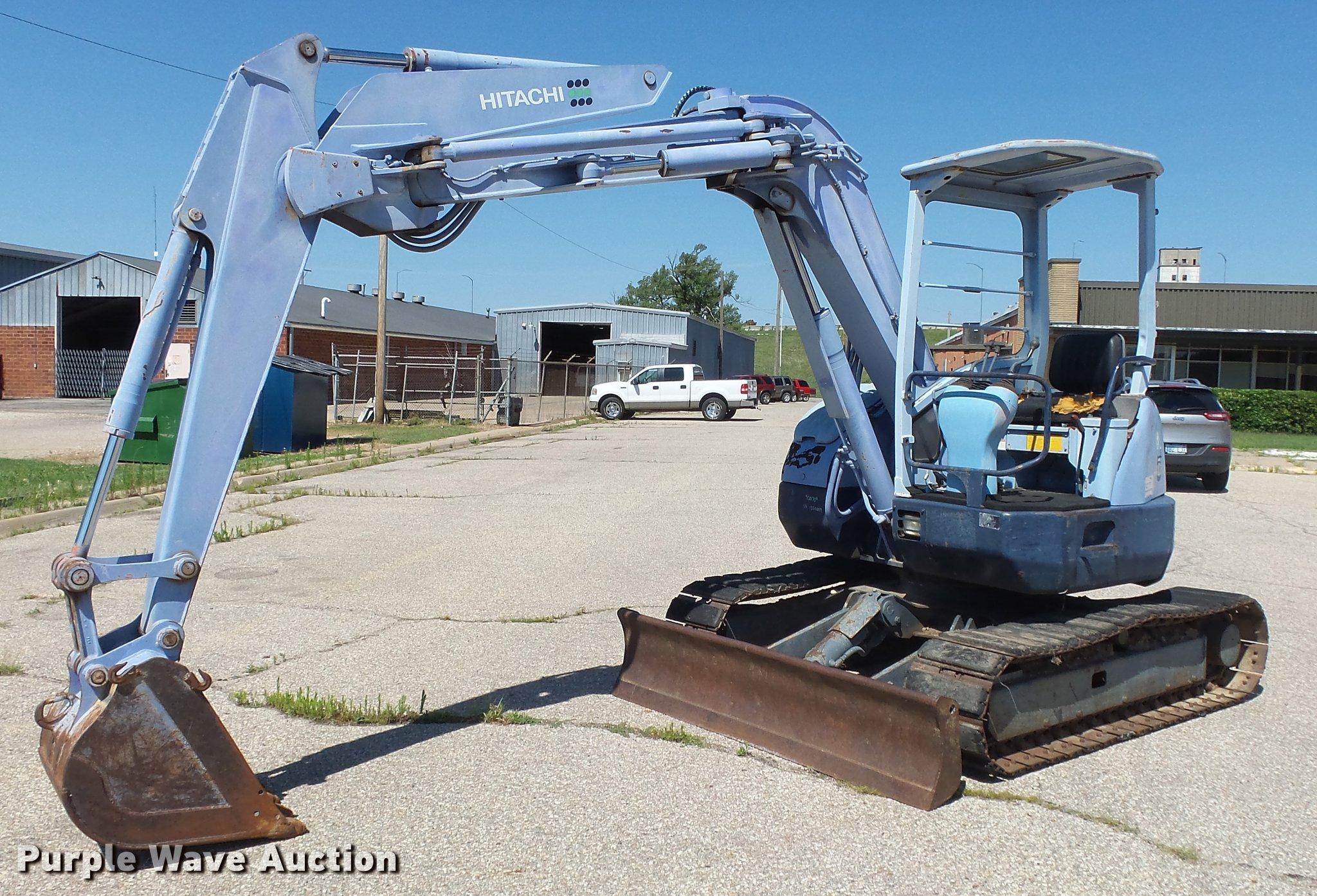 Hitachi EX55UR mini excavator | Item DF4286 | SOLD! August 2