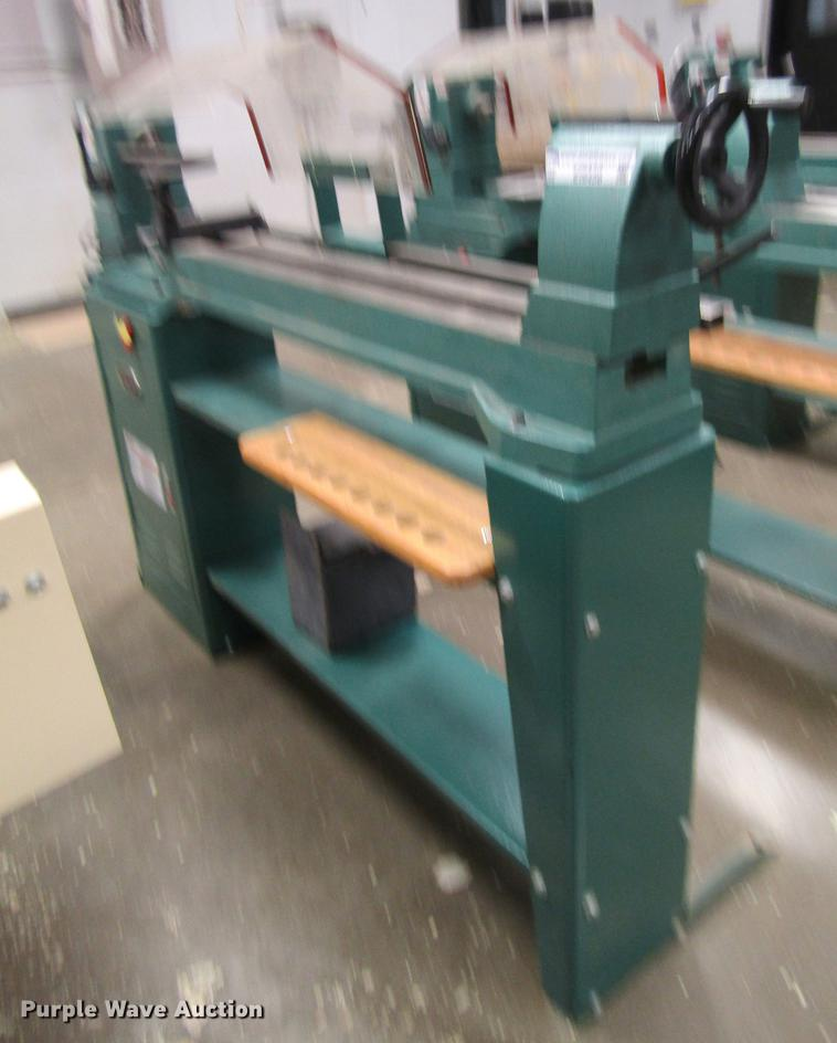 Grizzly wood lathe | Item EI9456 | SOLD! August 7 Government