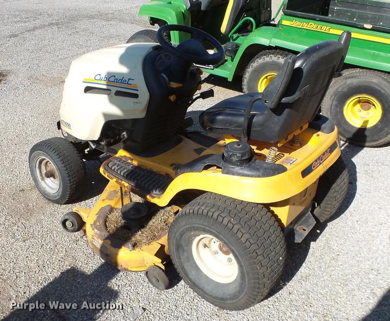 Cub Cadet LT1050 lawn mower | Item EF9236 | SOLD! August 21