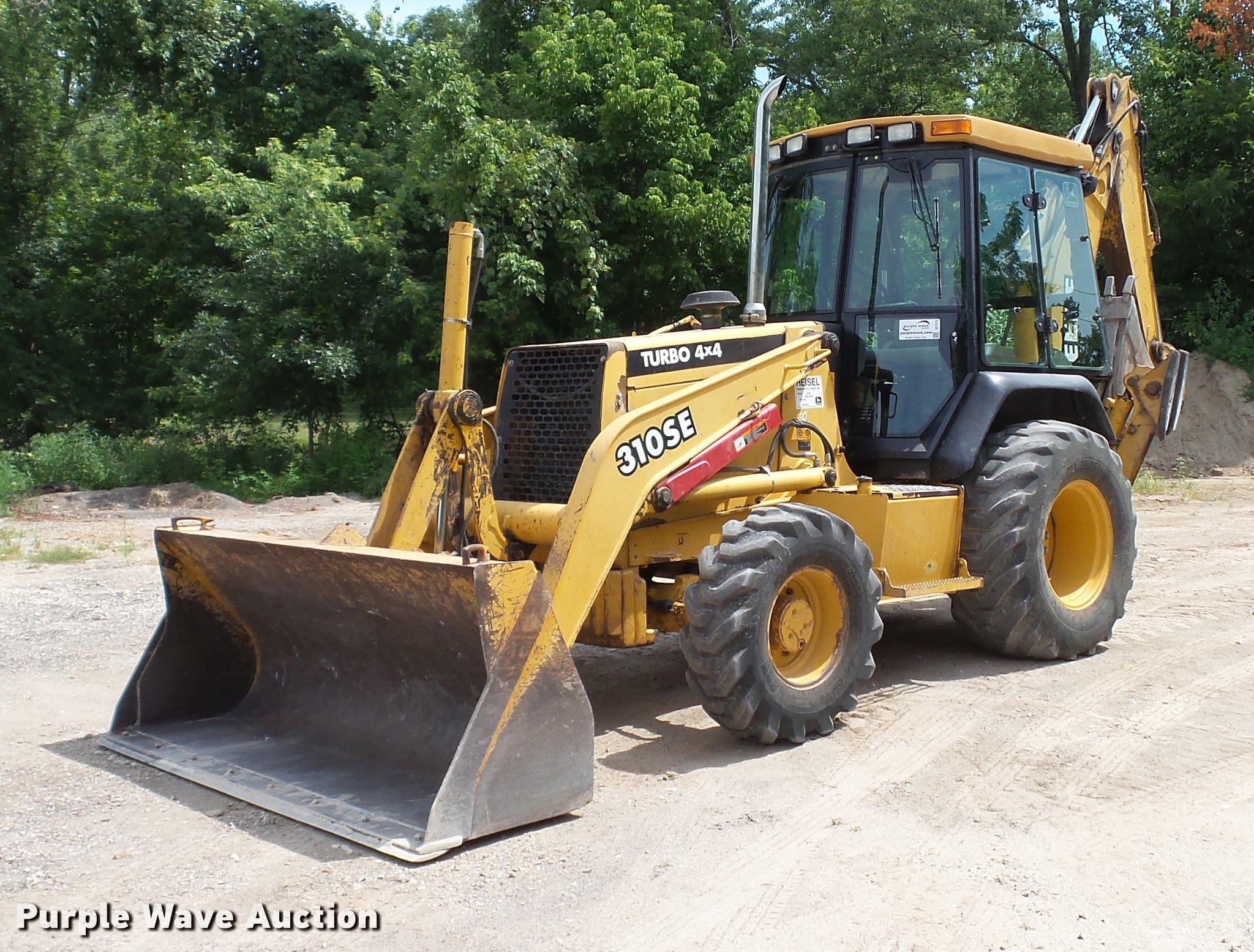 DD7273 image for item DD7273 1997 John Deere 310SE backhoe