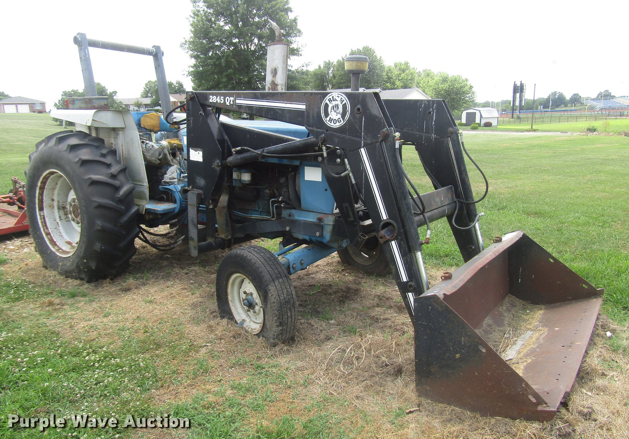 ... Ford 5900 tractor Full size in new window ...