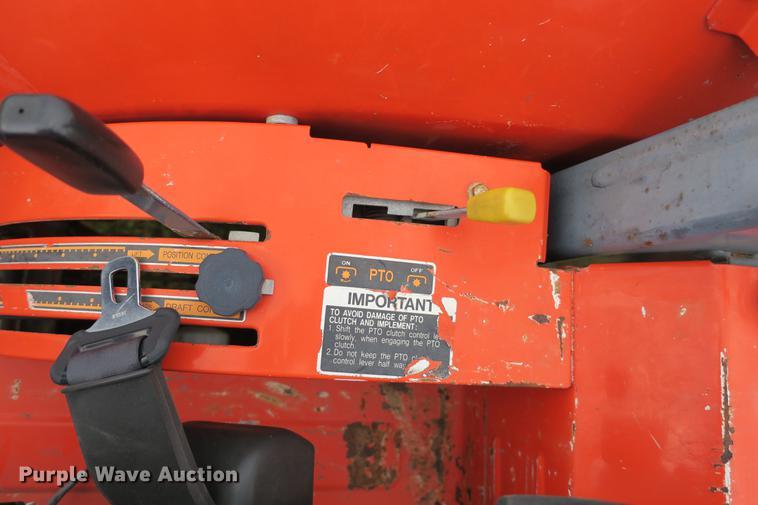 2002 Kubota M9000 MFWD Low Profile tractor | Item EK9680 | S