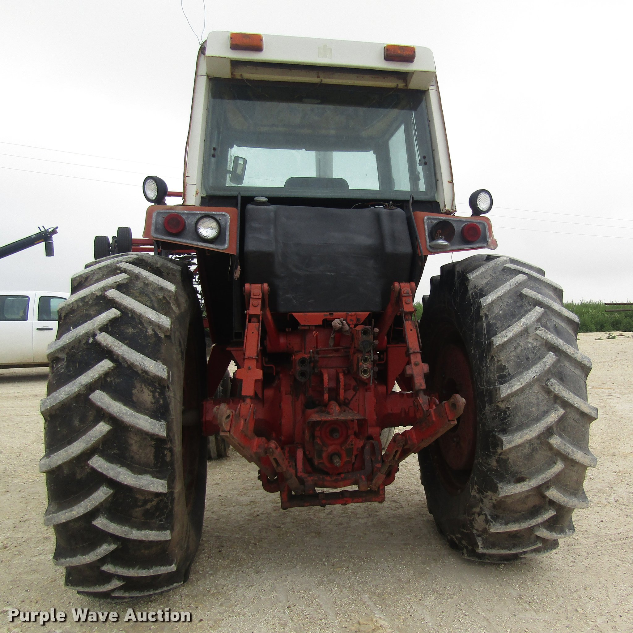 ... International Harvester 1086 tractor Full size in new window ...