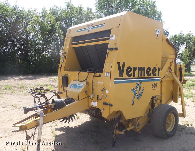 Vermeer 605XL round baler   Item ES9311   SOLD! September 5