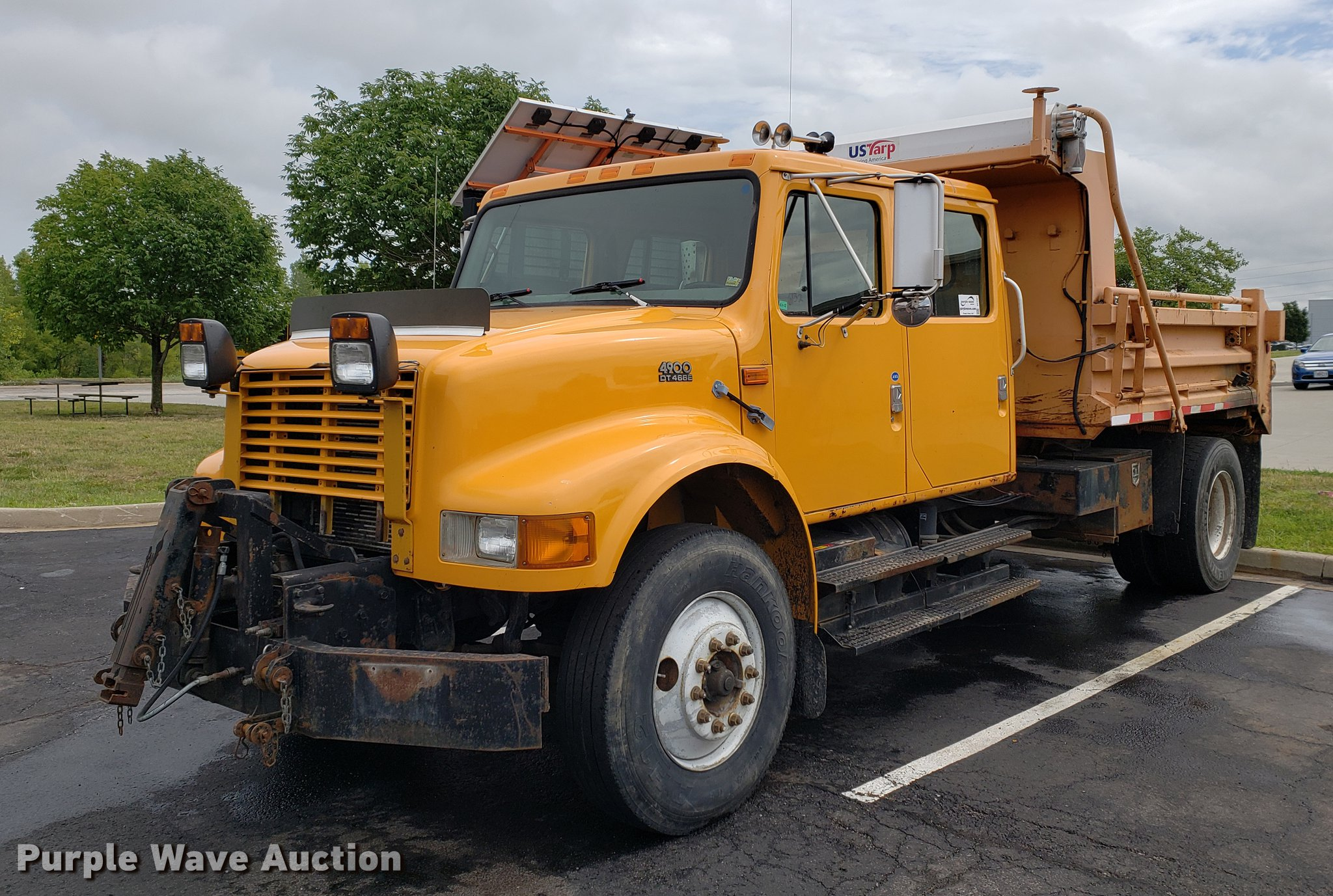 DF2351 image for item DF2351 2000 International 4900 dump truck