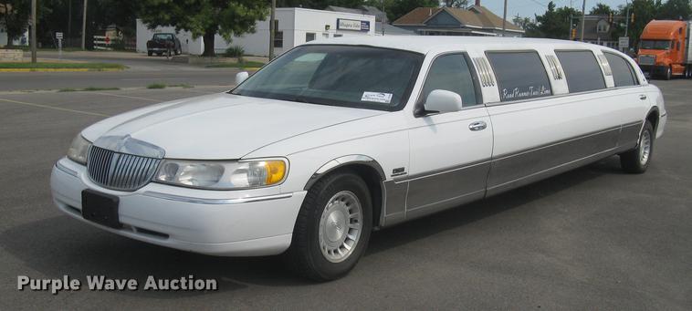 1998 Lincoln Town Car Limousine Item Dc1254 Sold Septem