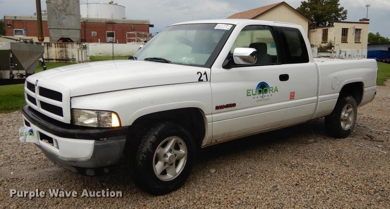1997 Dodge Ram 1500 Club Cab Pickup Truck Item Dd6464 So
