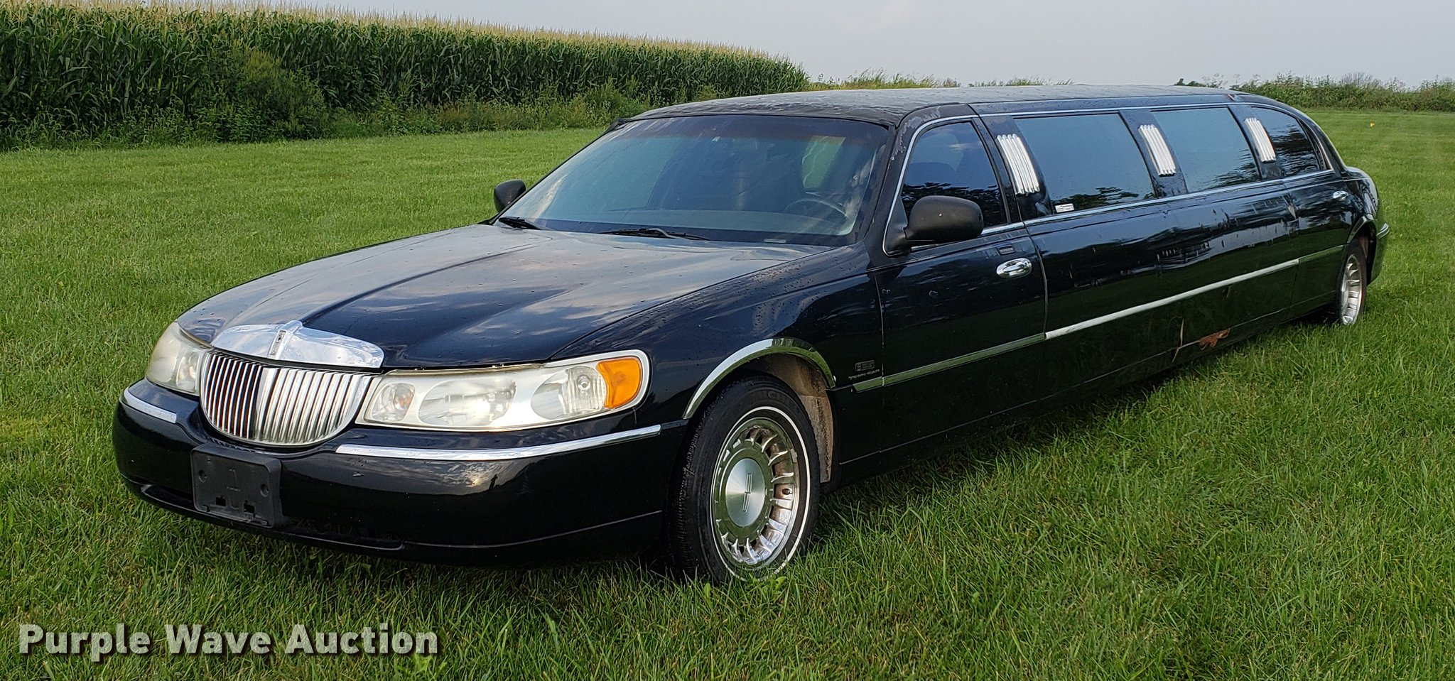 2000 Lincoln Town Car Limousine Item Bw9225 Sold Septem