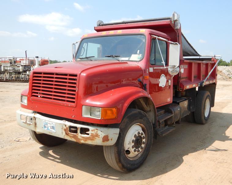 1990 International 4700 dump truck | Item EK9745 | SOLD! Sep