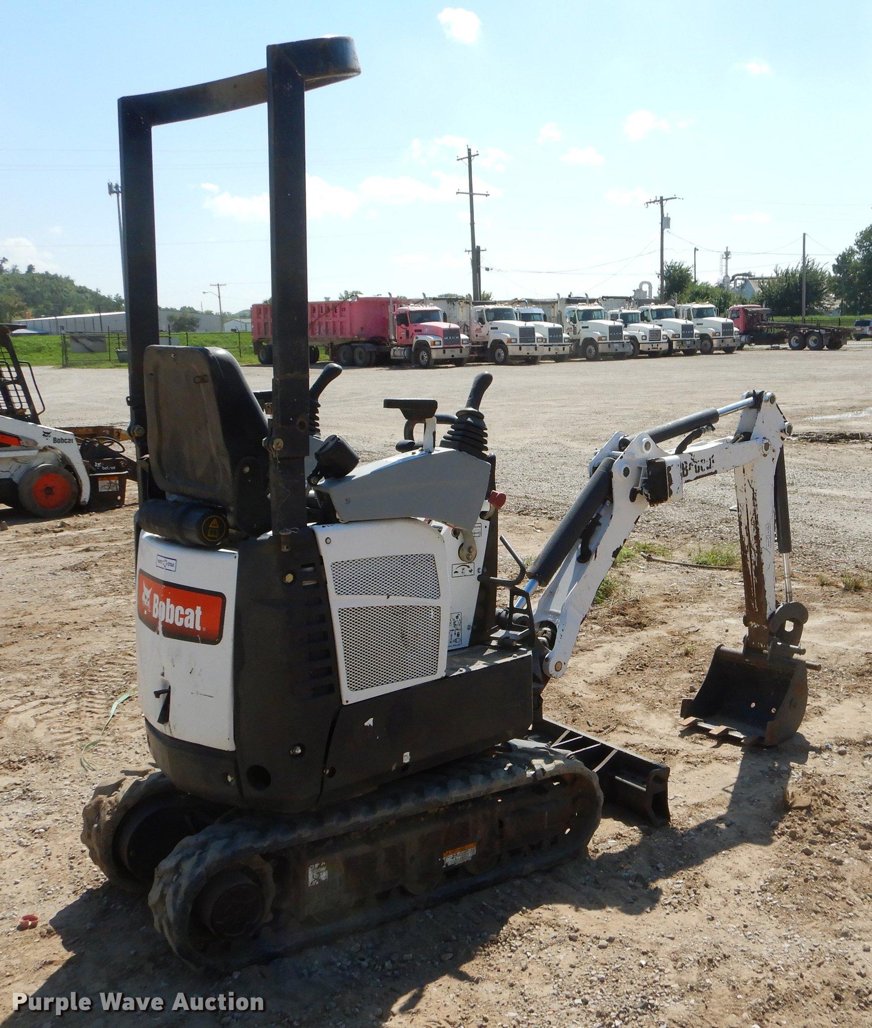 2009 Bobcat 418 mini excavator | Item EO9513 | SOLD! Septemb