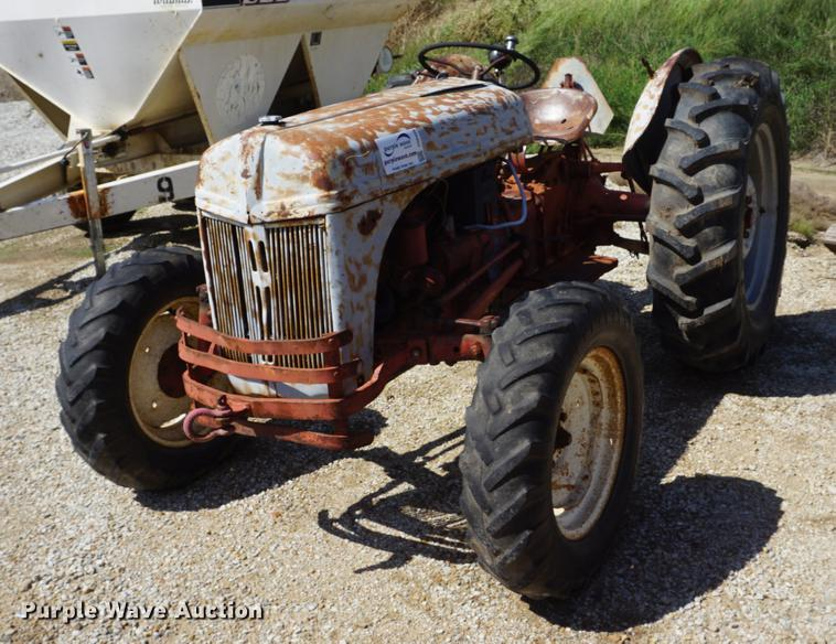 Ford 8N tractor   Item DD6426   SOLD! October 3 Ag Equipment