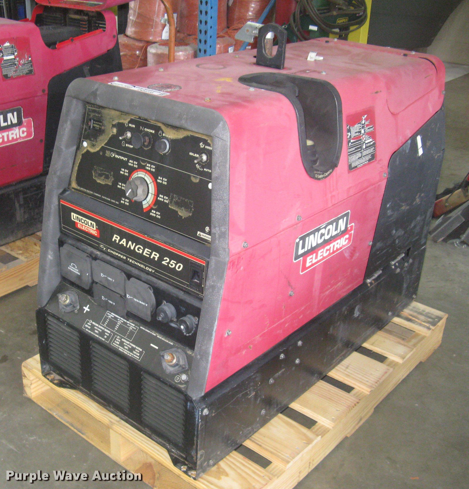 Lincoln Electric Ranger 250 welder/generator | Item DQ9735 |