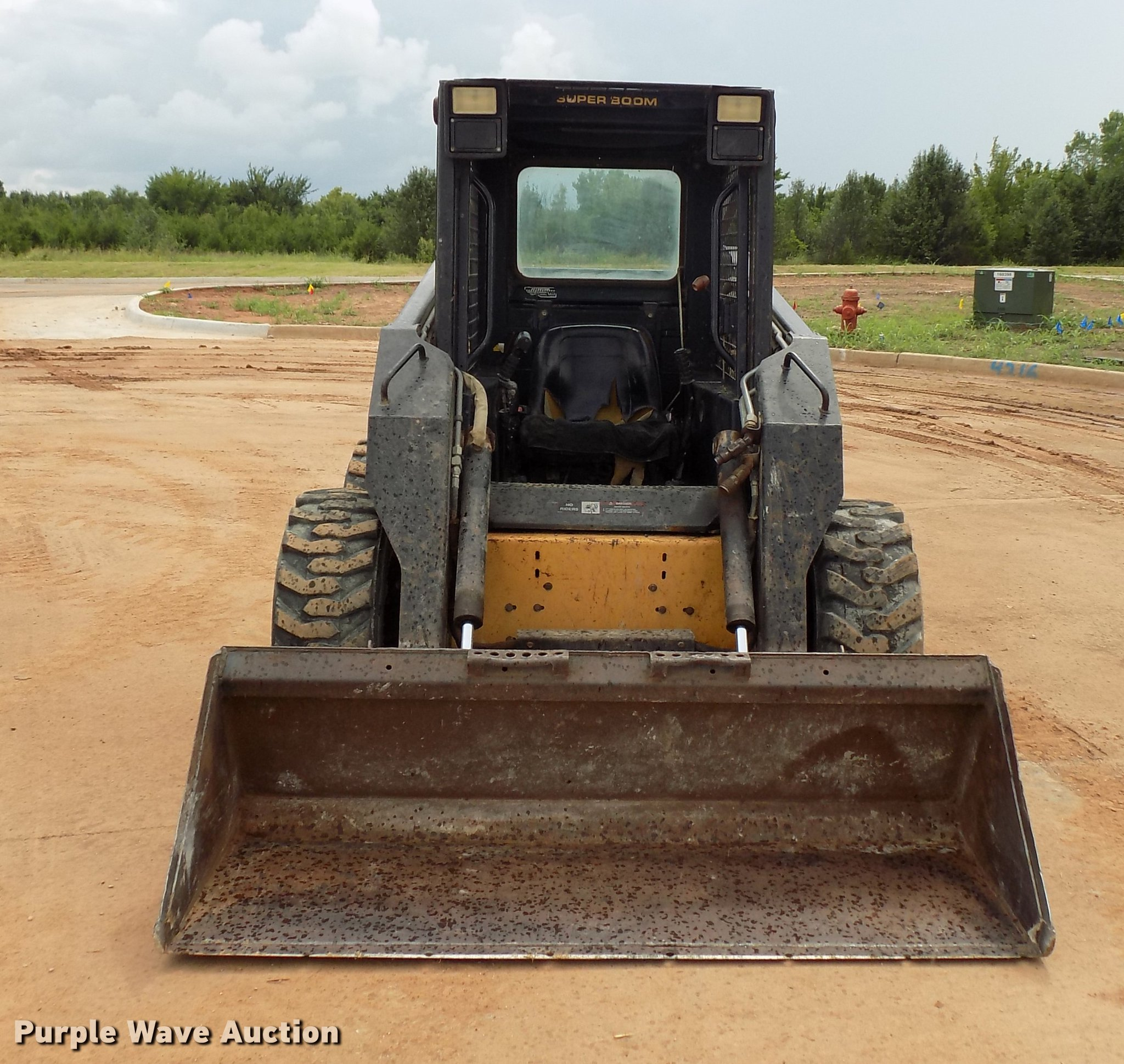 ... Holland LX885 Turbo skid steer Full size in new window ...
