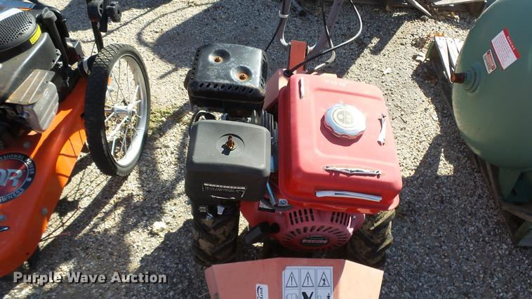 Sickle bar push mower | Item FO9010 | SOLD! October 18 Kansa