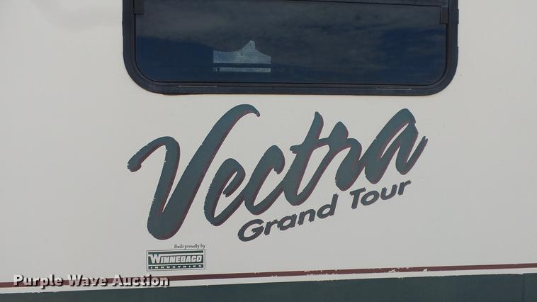 1997 Winnebago Vectra Grand Tour RV | Item FO9176 | Wednesda