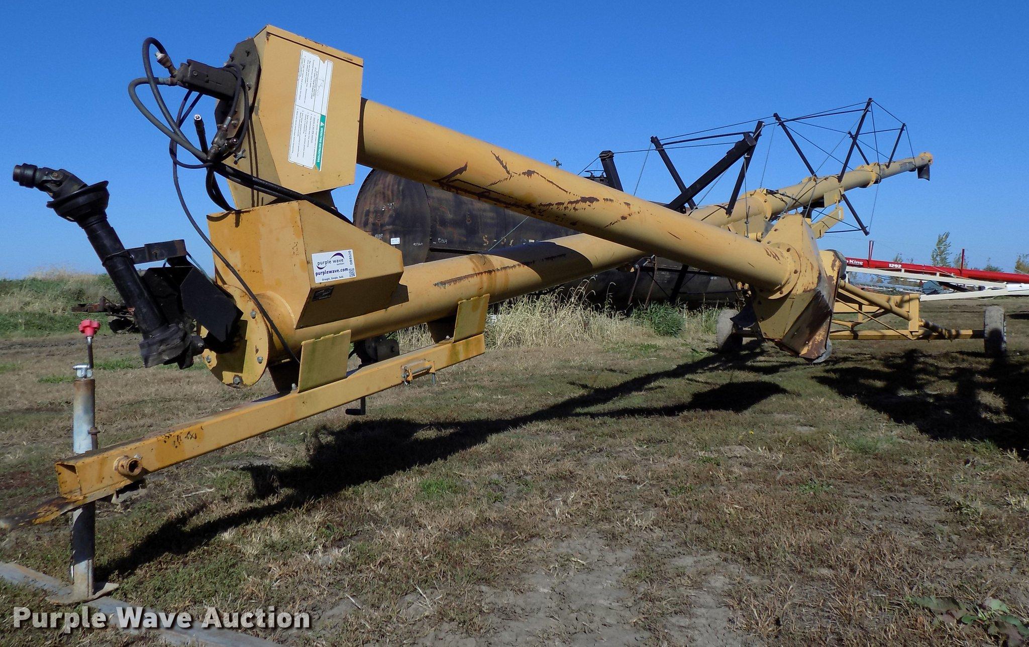Sheyenne/Westgo 1410 grain auger | Item DB8520 | SOLD! Novem