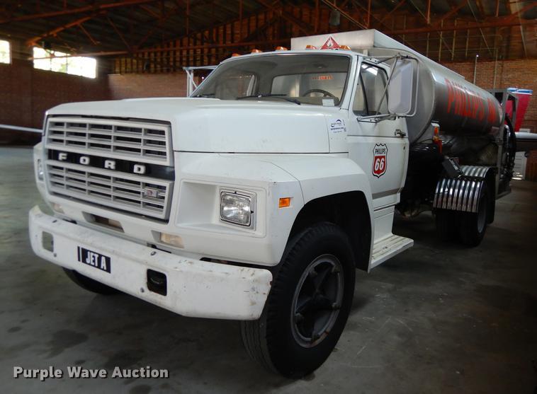 1980 Ford F600 jet fuel truck | Item DE1761 | Tuesday Novemb