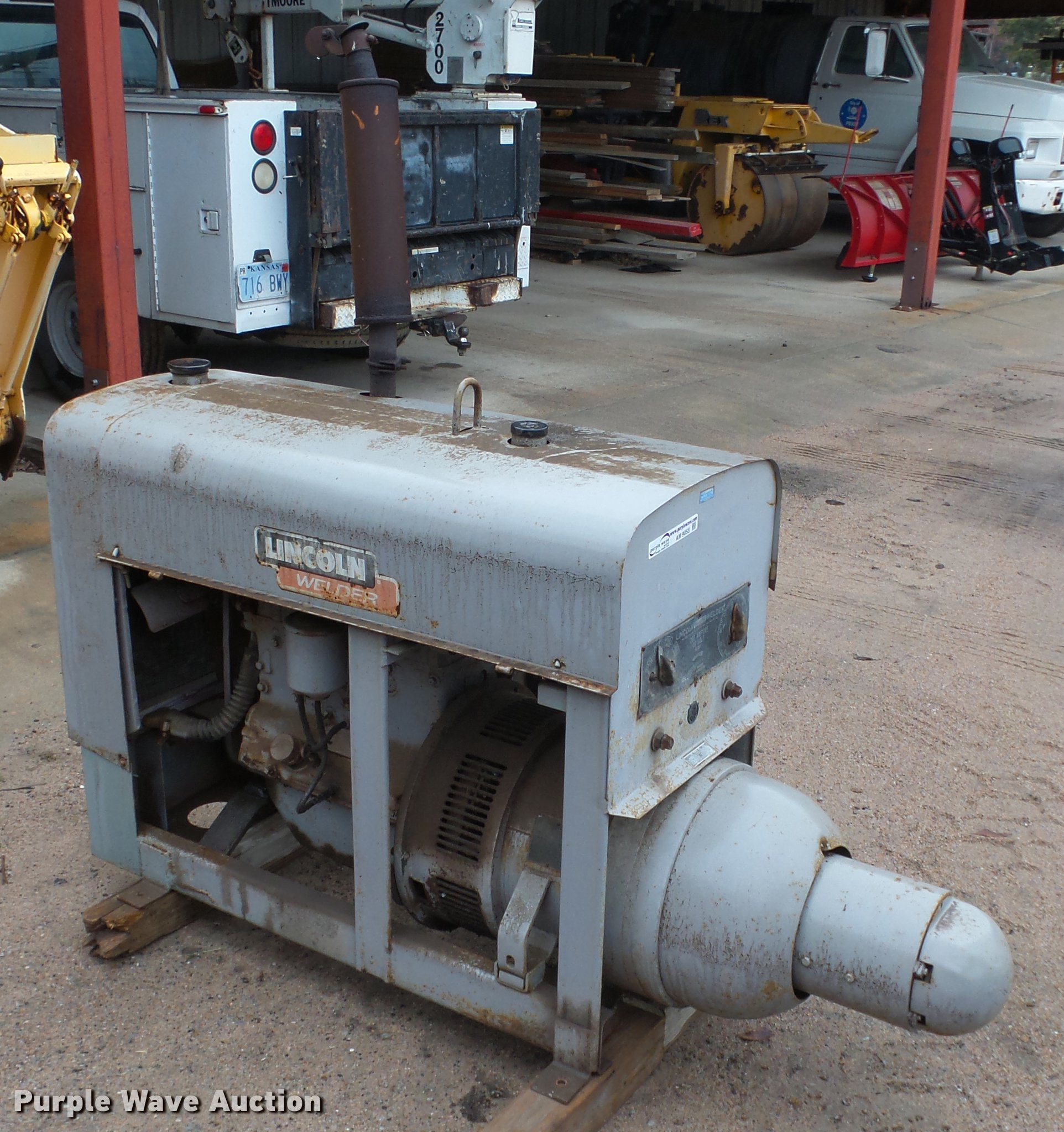 Lincoln Shield arc welder | Item AM9055 | SOLD! November 27