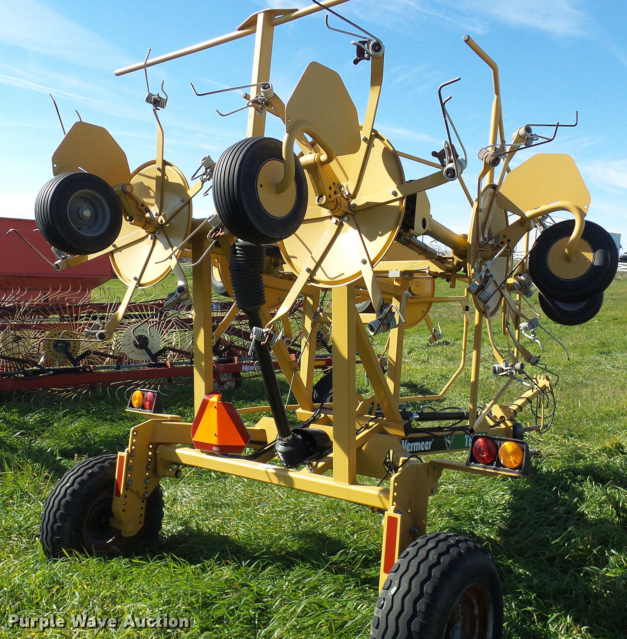 Vermeer TE250 hay tedder | Item DE5327 | SOLD! December 5 Ag