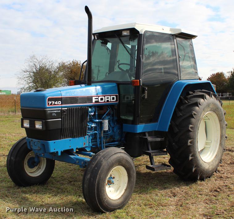 New Holland 7740 Powerstar SL tractor in Davis, OK   Item DF2071 sold    Purple WavePurple Wave