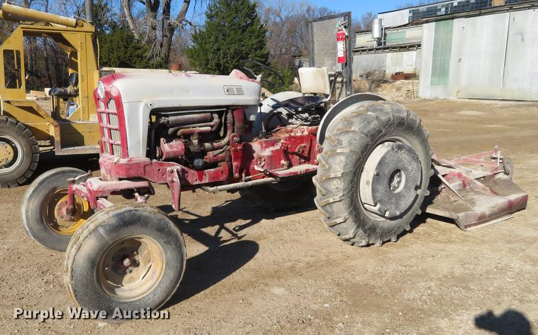 Ford 961 Powermaster Tractor