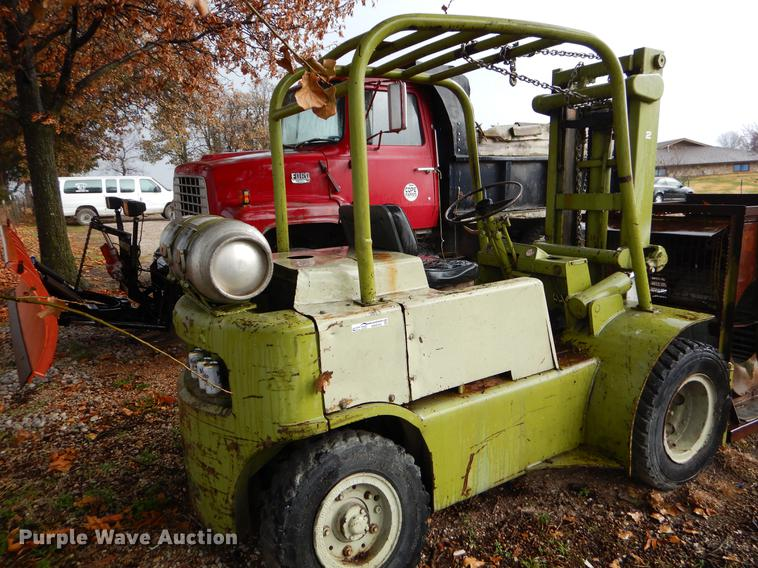 Clark forklift | Item EW9703 | SOLD! December 26 Vehicles an