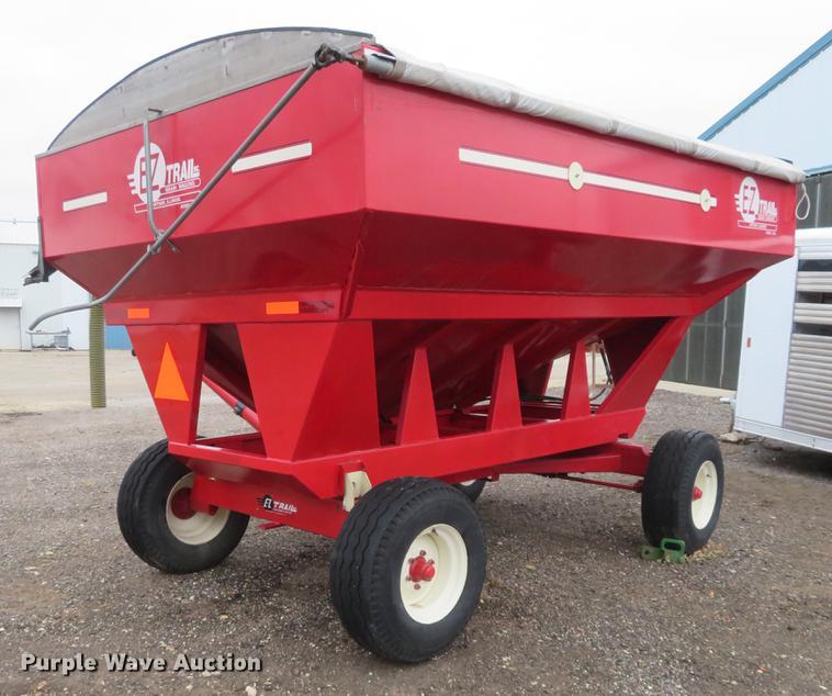 E-Z Trail 3400 gravity wagon | Item DE6562 | Thursday Decemb