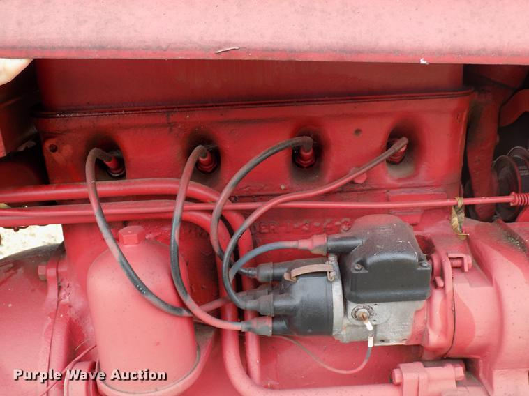 df2110 image for item df2110 mccormick farmall tractor