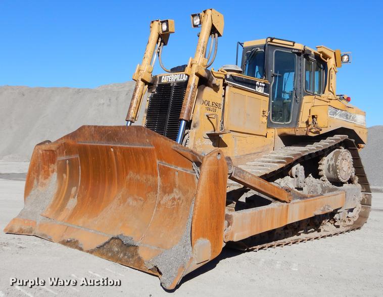 2001 Caterpillar D8R Series II dozer   Item EW9690   Thursda