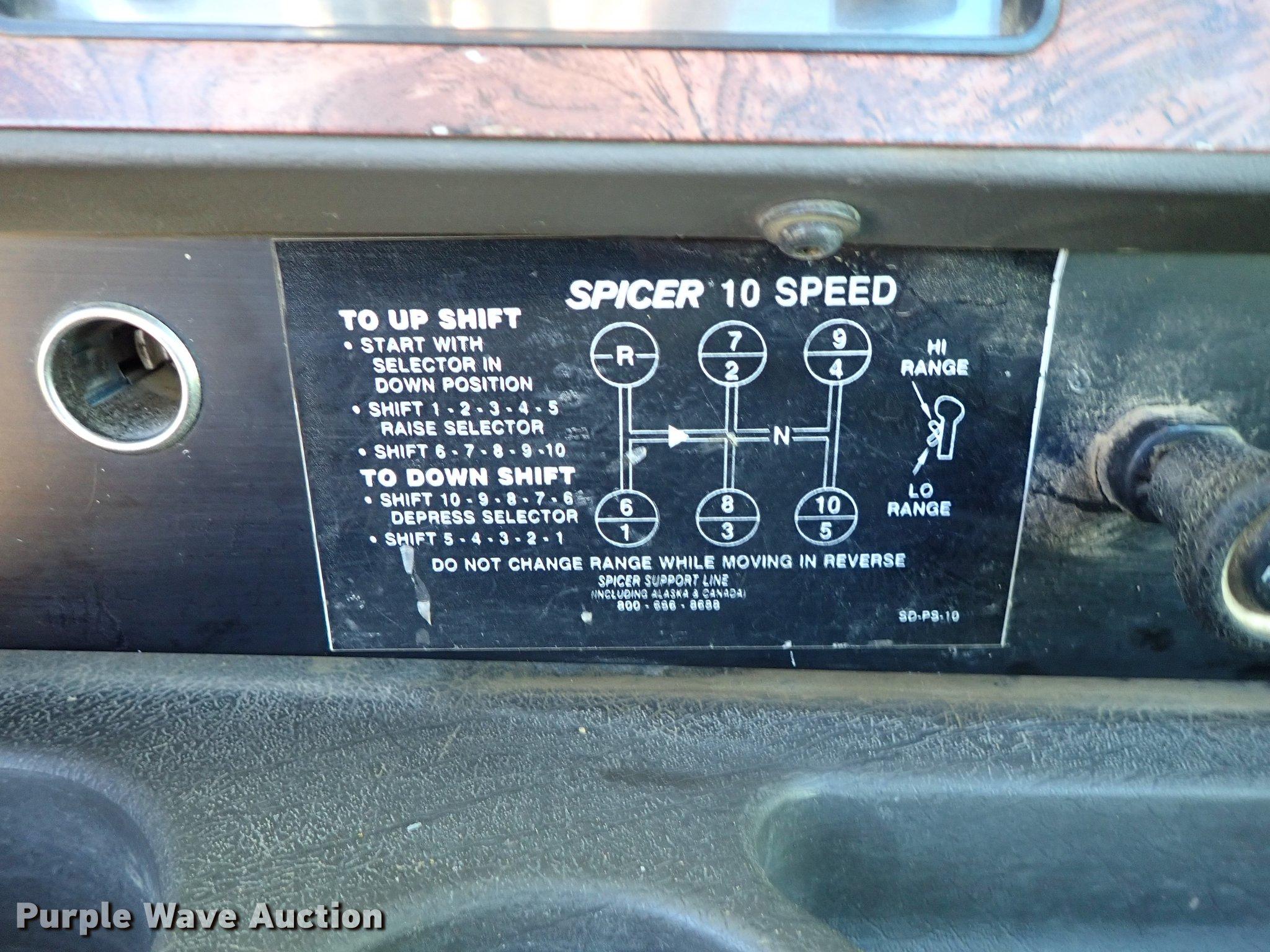 1999 International 9400 semi truck | Item DG2927 | Tuesday J