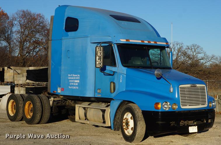 df1731 image for item df1731 2001 freightliner century class st semi  truck