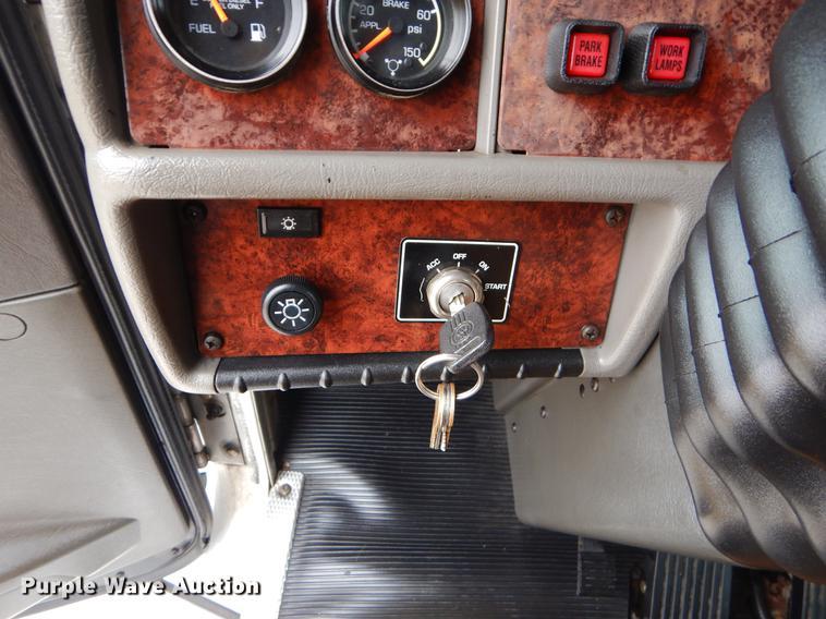 2009 Kenworth T370 semi truck | Item ER9297 | Thursday Janua