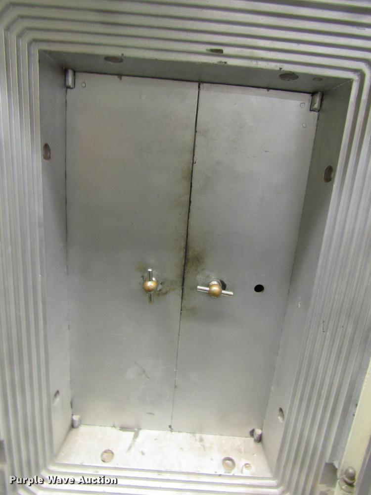 Mosler safe | Item FJ9598 | Tuesday February 5 Government Au
