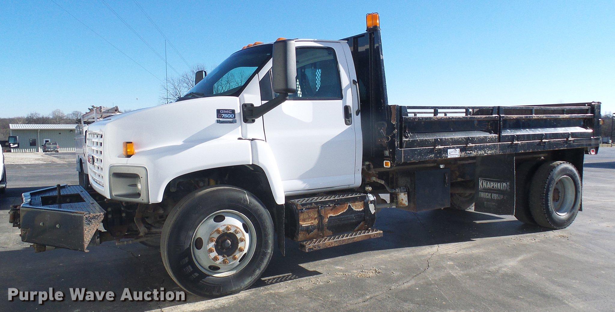 2005 GMC C7500 dump truck | Item DB2161 | SOLD! February 14