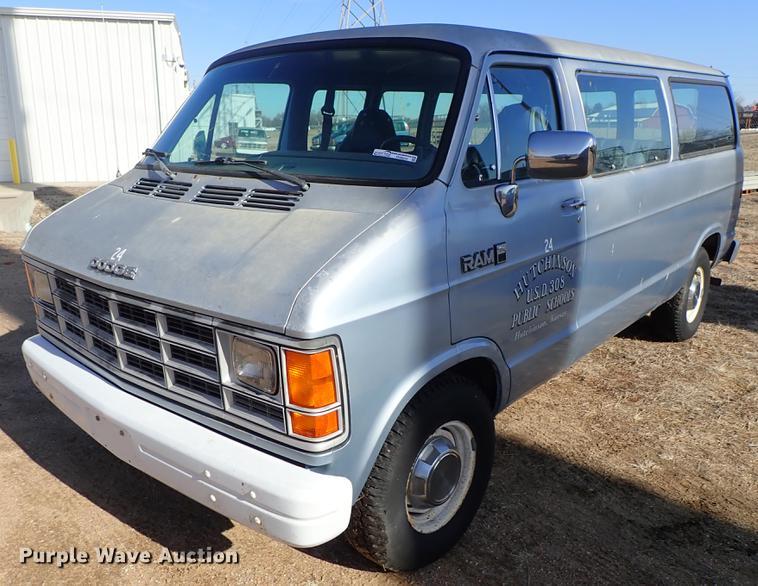 1989 Dodge Ram Wagon 250 van | Item FH9654 | SOLD! March 5 G