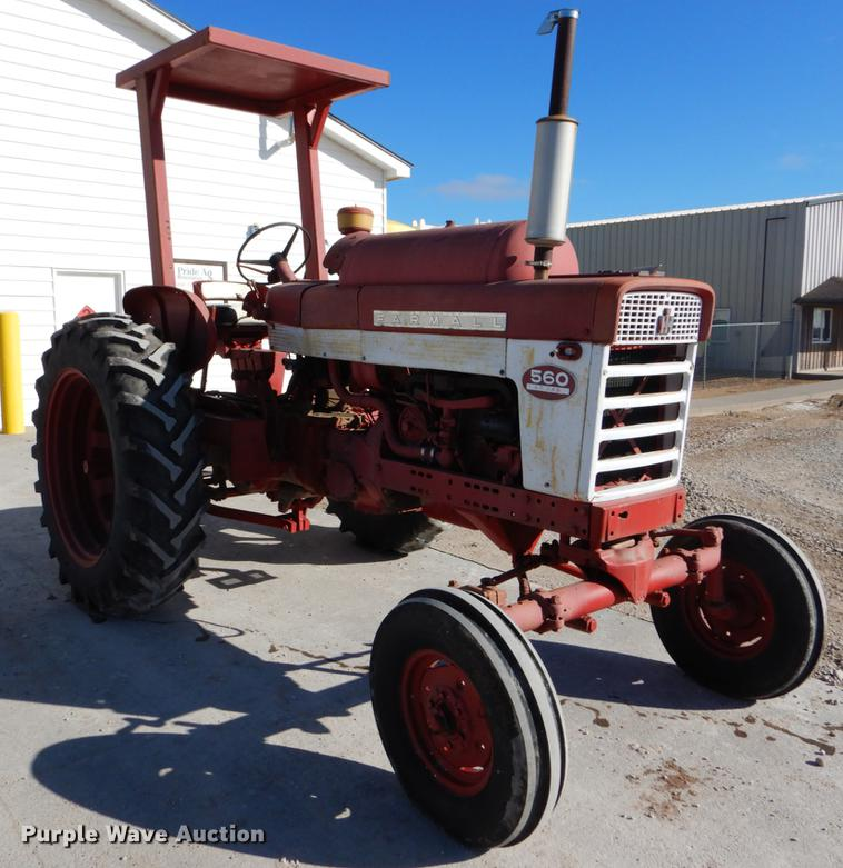 Farmall 560 tractor | Item DY9224 | Wednesday March 6 Ag Equ