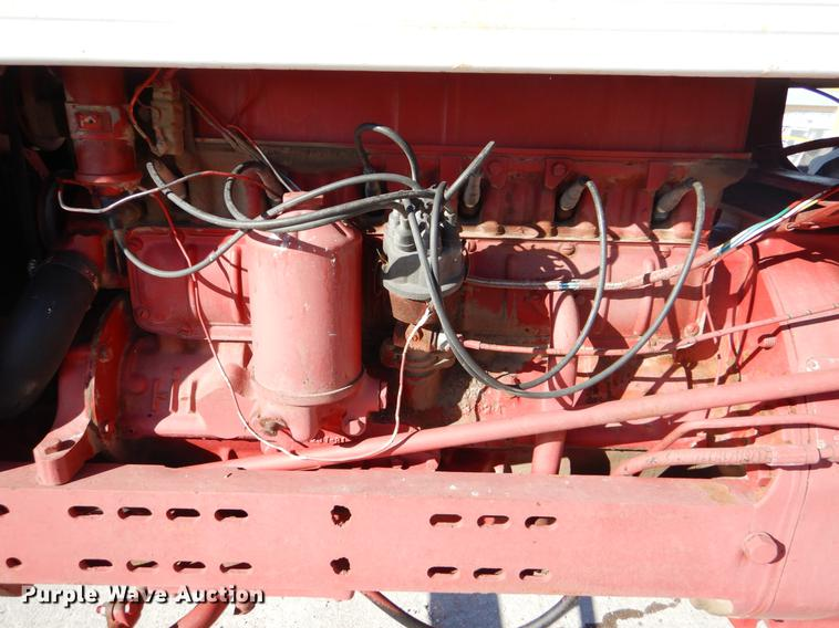 dy9224 image for item dy9224 farmall 560 tractor