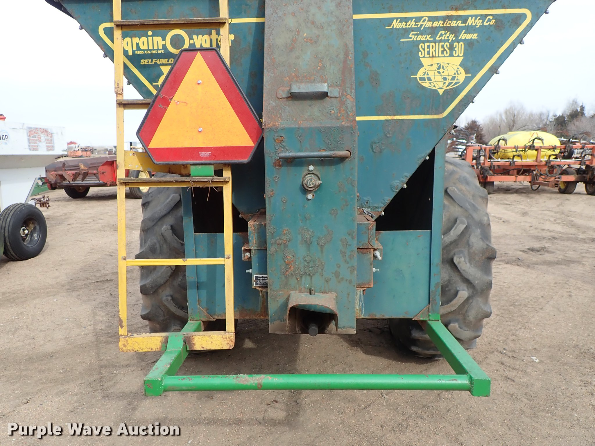 ce6ba69f8d290 ... Grain-O-Vator Series 30 feed wagon Full size in new window ...