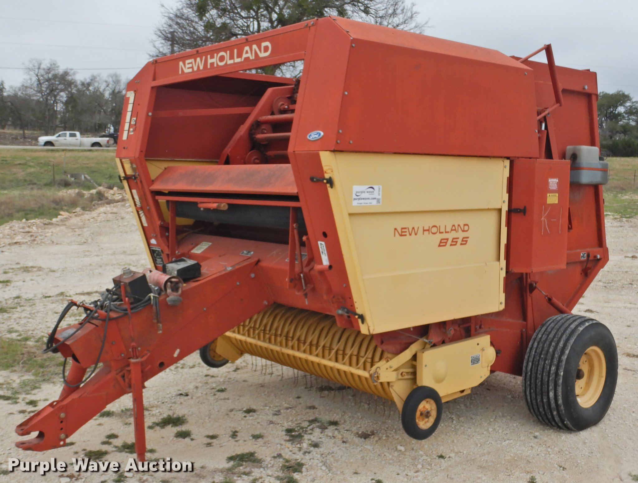 1989 New Holland 855 round baler | Item DF2507 | Wednesday M
