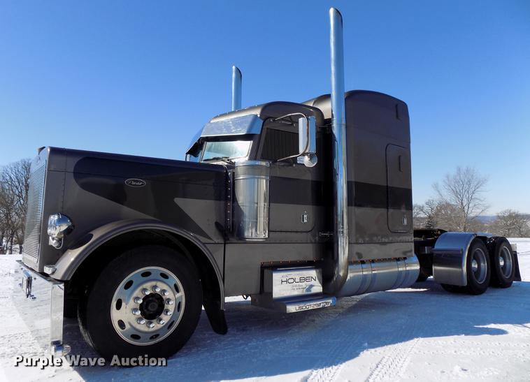 2003 Peterbilt 379 EXHD semi truck | Item DE7593 | Thursday