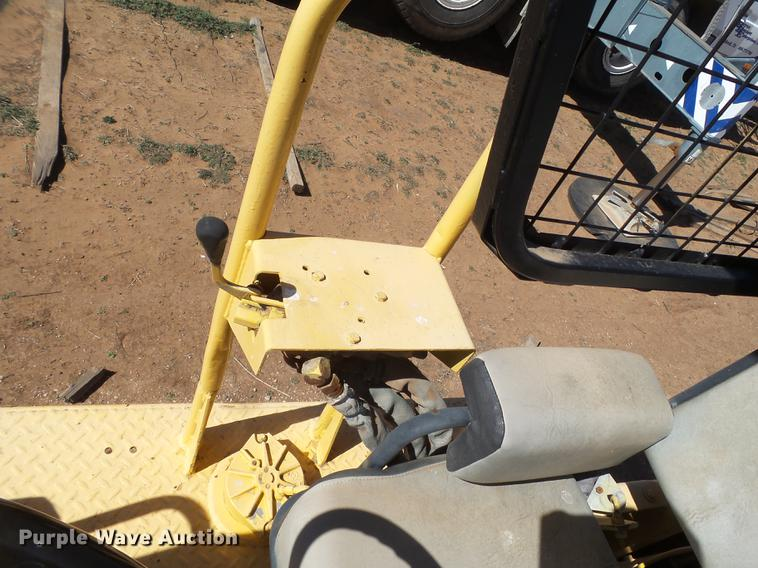 1989 Caterpillar CP-323 single drum roller | Item FF9751 | T