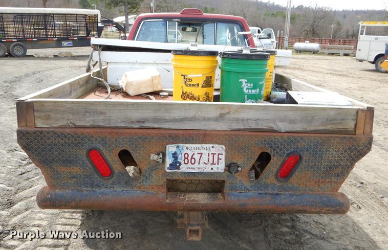 1994 Toyota Tacoma XtraCab flatbed pickup truck | Item EZ982