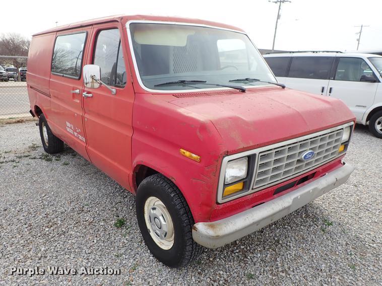 1983 Ford Econoline E150 van | Item DF8873 | Tuesday April 1