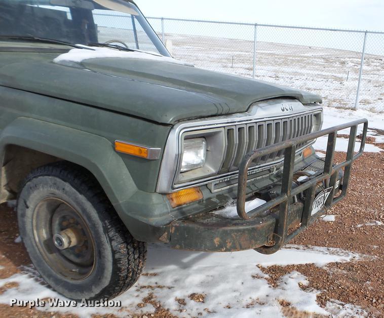 1981 Jeep J20 pickup truck | Item EJ9010 | Tuesday April 16