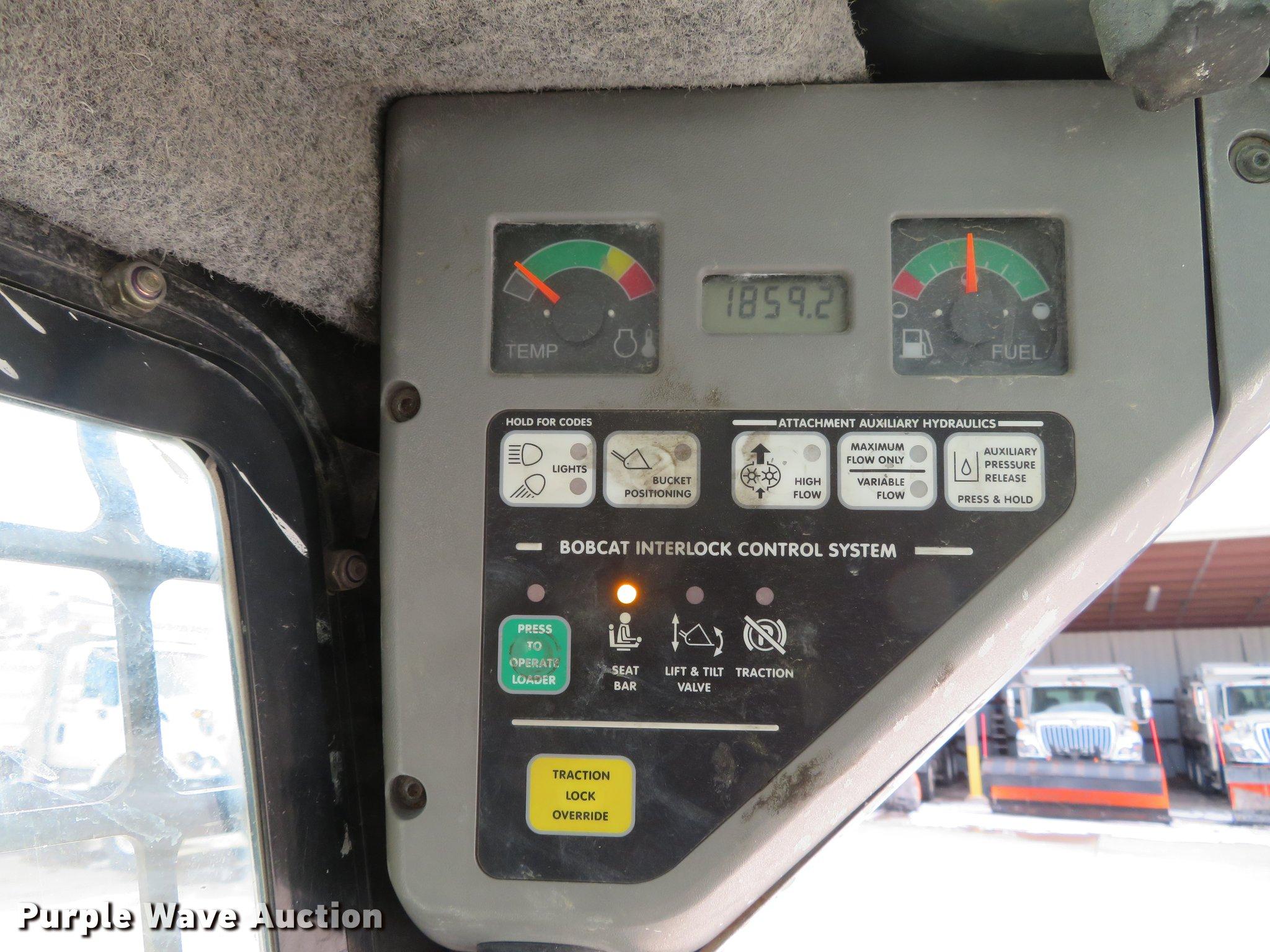 2006 Bobcat S250 skid steer | Item DG3896 | Tuesday April 16