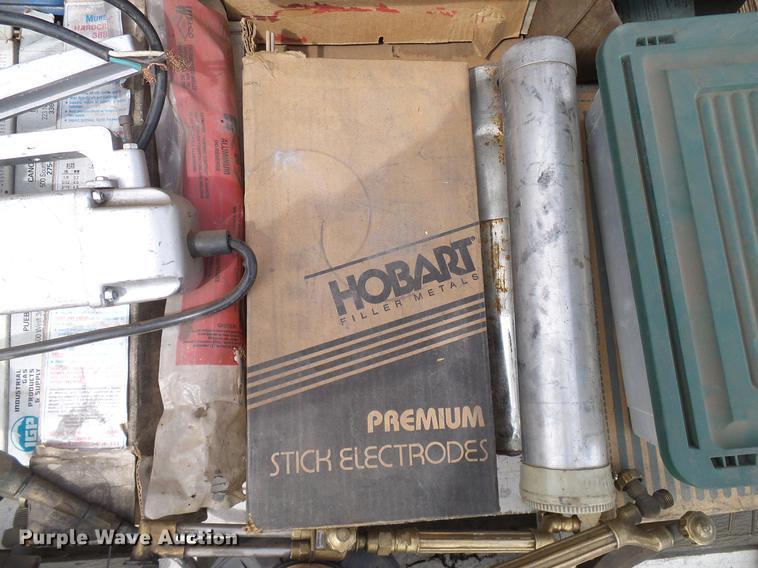 Miller Thunderbolt 225 arc welder   Item EP9591   Wednesday