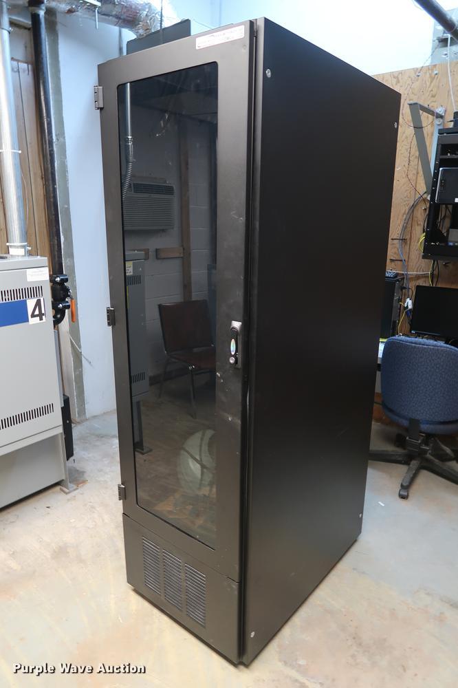 Liebert ECM2000LR-X60 chiller cooling server rack | Item FE9