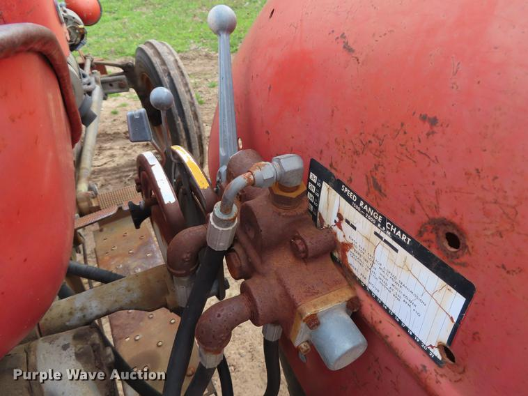 Massey-Ferguson 135 tractor | Item DN9040 | SOLD! May 8 Vehi